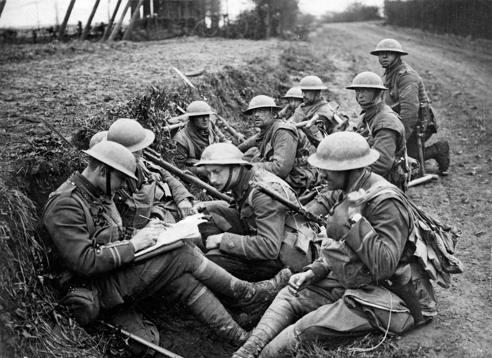 troops-British-trench-Western-Front-World-War.jpg