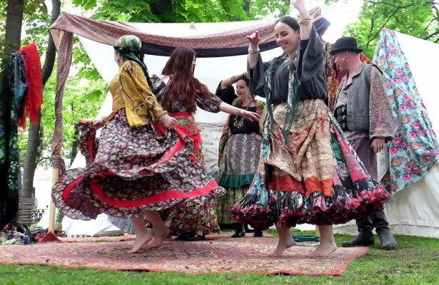 Французский бал и цыганский табор: из Сормова сделают «Культурный район» —  Рамблер/новости