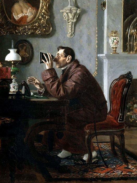 На изображении может находиться: 1 человек, сидит и в помещении