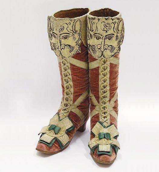 На изображении может находиться: обувь и ботинки